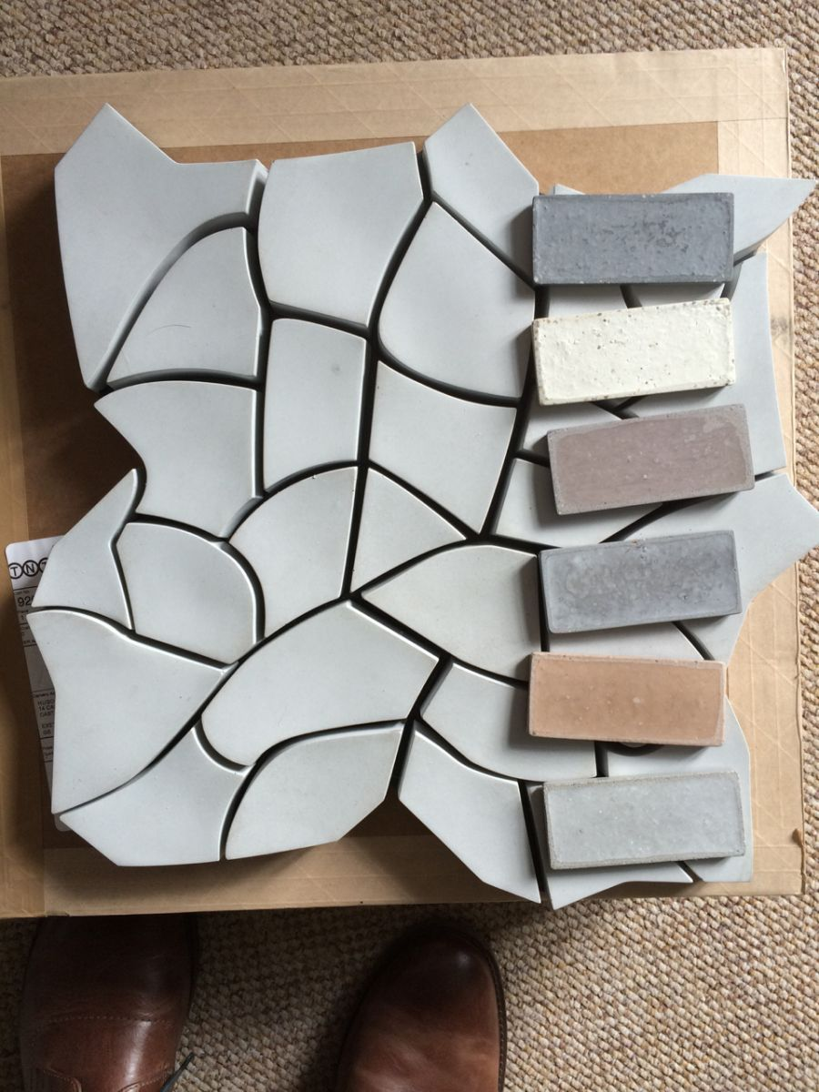 Cracked earth tile