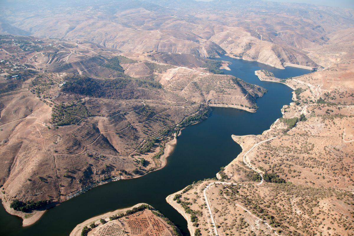 to:32.1875578501, 35.8105185627 (King Talal Dam)